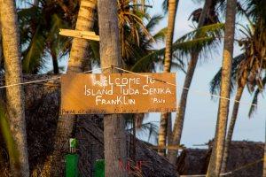 Isla Franklin was the Island I stayed it, very beautiful with wonderful hosts.